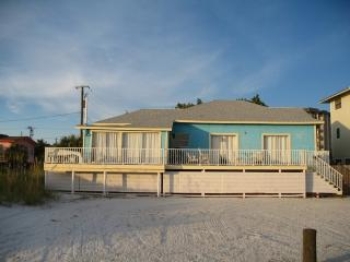 2 Bedroom Beachfront Condo, Fort Myers Beach