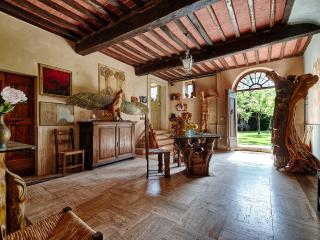 4 bedrooms  in a  tower, home of a sculptor, Montepulciano