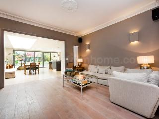 Spacious Town House - Ideal for family holiday., Londra