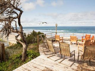 Halemahana-Oceanfront, Game Room & Oceanview Hot Tub., Lincoln City