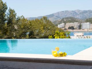 Beautiful house with infitiy pool and terrrace, Santa Ponsa