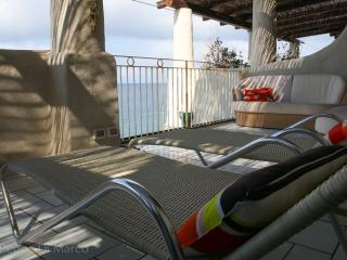 Sea view apartment with terrace, Acquacalda