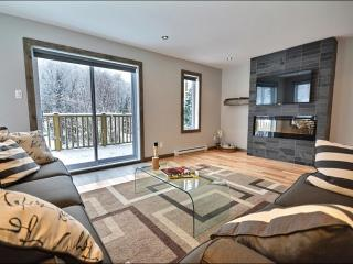 Modern Unit with Lovely Mountain Views - Convenient Location & Fantastic Features (6241), Mont Tremblant