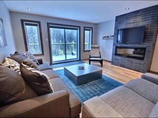 Luxurious Features & Modern Design - Beautiful Mountain View (6239), Mont Tremblant