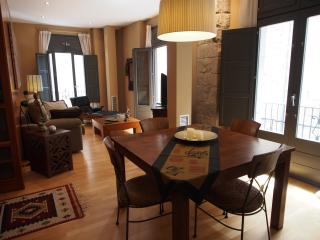 Stunning deluxe apartment old town, Girona
