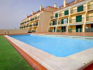 AMAZING CENTRAL APARTMENT WITH POOL, Ericeira