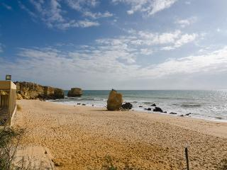 Lovely flat walking distance to the beach 43b, Albufeira