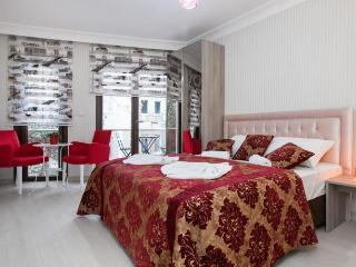 CELLA - Stylish studio with view in GALATA!, Istanbul