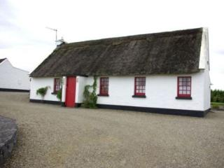 Ballyvaughan Holiday Cottage - 3 Bed (Type B *) : Ballyvaughan, Clare, Tulla