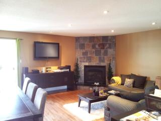 Thornbury Townhouse Condo