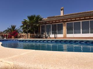 Detached 3 bedroom villa with pool, Catral