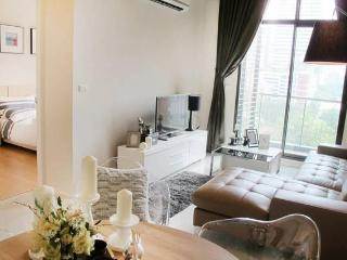101 VIEW!3bed/2bath FamilyHome SOGO MRT FUXING STN, Taipei