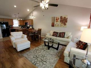 Heavenly Hideaway- 2 Bedroom, 2.5 Bath, Stonebridge Resort Condo, Branson West