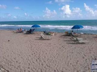 Ft Lauderdale beach, studio condo/hotel on beach, Fort Lauderdale