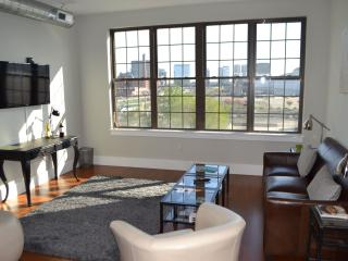 Seaport Luxury 1 Bed Apartment: Signal Building, Boston