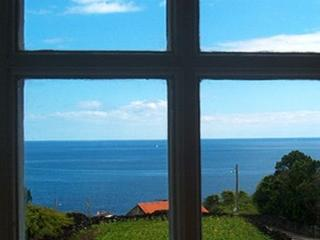 162 Cottage with Great sea views and shared Pool, Sao Joao