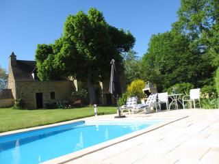 Country houses in Dordogne. Pool. View and privacy, Grolejac