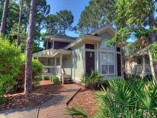 Charming Cottage Now with Golf Cart! Book Your Vacation Today!, Miramar Beach