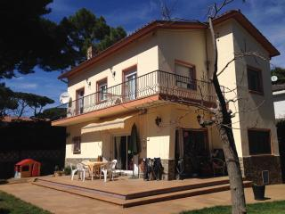 4 bed Villa, 500m from the beach, Castelldefels