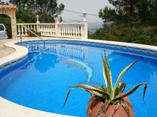 Villa with private pool in Pals, sleeps 8