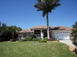 Lake View - Cape Coral Lake Front, 3b/3ba home w/electric heated pool, HSW Internet,