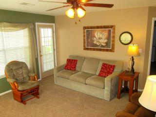 Brook, pool side walk in, 2 Kings, Recliners, WiFi, Branson