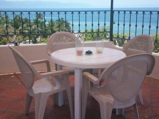 Well-appointed apartment in fantastic location., Puerto Vallarta