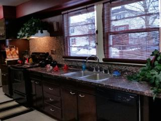 Clean and Freshly Renovated Home, Rahway