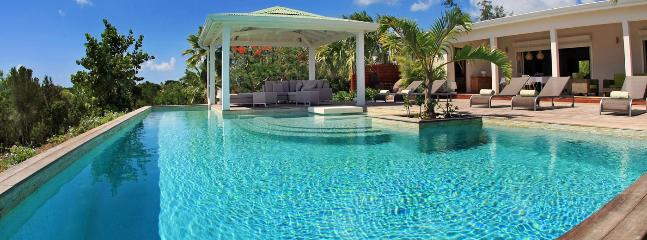 SPECIAL OFFER: St. Martin Villa 249 A Spacious And Elegant 1 Bedroom Villa Overlooking The Caribbean Sea., Terres Basses