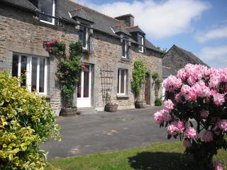 farm house in central brittany, Plessala