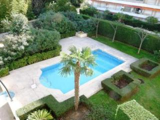 Golden Gate Delux Lovely 2 Bedroom with a Pool and Balcony, Cannes