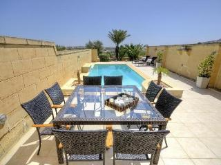 House of character with pool & 4 bedrooms, Sannat