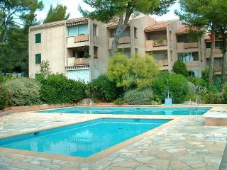 Bandol,Studio 4pers, Piscine,Parking,500m/plage