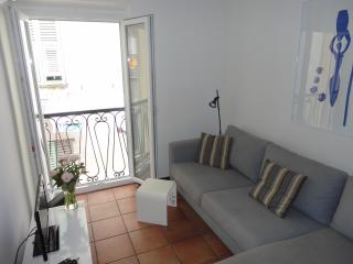 Rue Neuve - Old Town apartment with balcony, Nice
