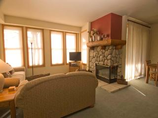 Nice Condo with 2 Bedroom, 2 Bathroom in Mammoth Lakes (#899 Links Way)