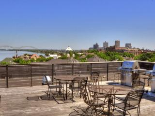 HIP CONDO, DOWNTOWN!!! MUST SEE!! GREAT LOCATION!!, Memphis