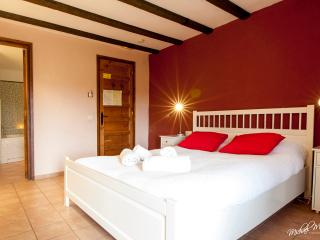 Laginesta country guest house,deluxe jacuzzi suite, Sitges
