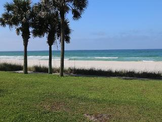 Gulf Front-4 Bedrooms- Minutes to Pier Park~Sunny Beach Townhome-Sleeps 10, Panama City Beach