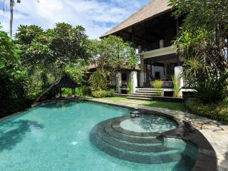 4 Bedrooms Family Luxury Villa in North Sanur