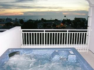 1 Min. to beach, call now, Private Rooftop Terrace, Clearwater