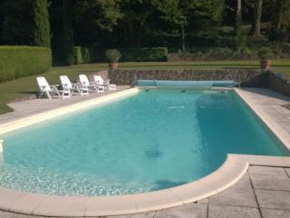 MANOR 1807 WITH PRIVATE SWIMMING POOL 16M X 6M, Saint-Jeure-d'Ay