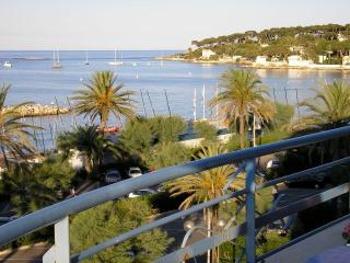 ENJOY SPECTACULAR VIEWS AND LOVELY BEACHES, Antibes