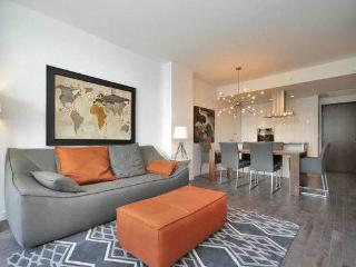 1-Luxury Montreal condo with Parking