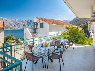 Apartments Daria - One Bedroom Ap. with Balcony 2, Kotor