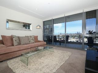 FRINGE CBD, ABSOLUTE LUXURY, PANORAMIC VIEWS, Perth