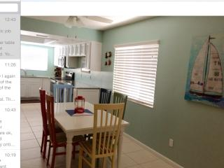 Sea woods condo in Florida. Short walk to ocean., New Smyrna Beach