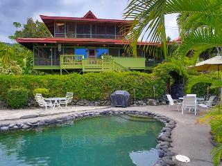Pagoda House: 100 Feet From the Water!, Captain Cook
