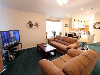 Serendipity- 2 Bedroom, 2 Bath Condo with Golf View from Patio, Branson