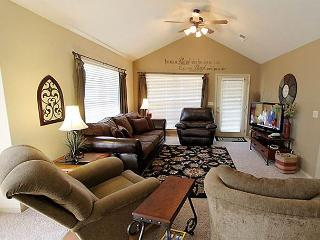 Peaceful Paradise-2 bedroom, 2 bathroom condo located at Stonebridge Resort, Branson West