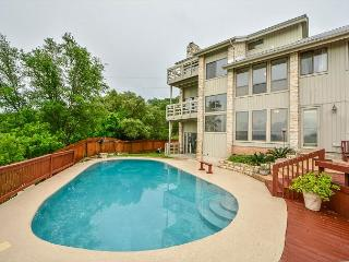 4BR/2.5BA House on Lake Travis with Private Pool, Sleeps 10, Volente
